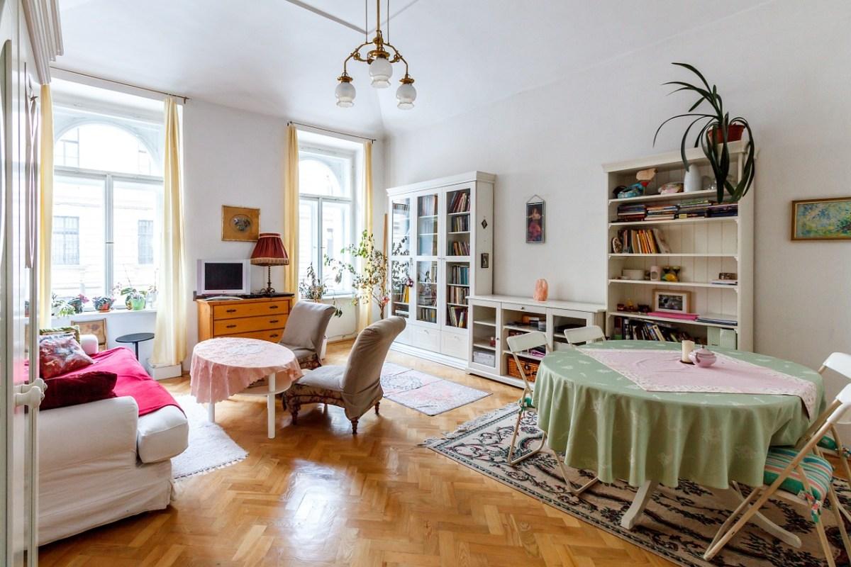 Как поставить диван в гостиной - фото6