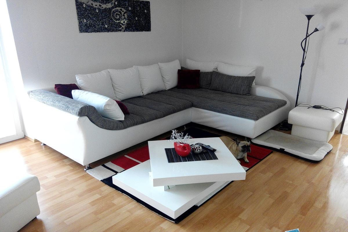 Как поставить диван в гостиной - фото3