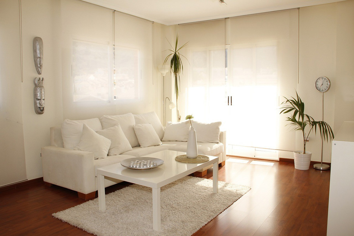 Как поставить диван в гостиной - фото1